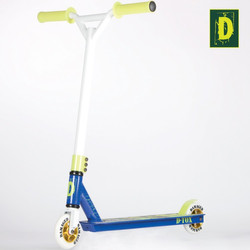 Damaged D-Tox Stunt Scooter 2 Farben